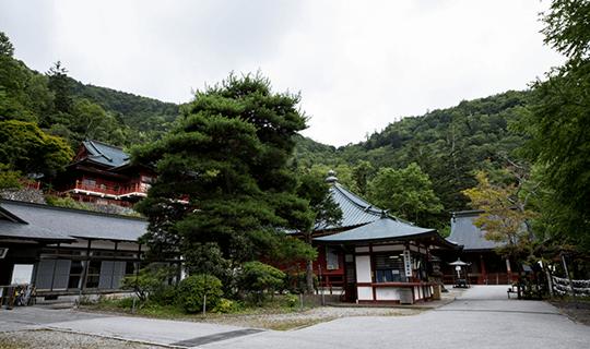 中禅寺(立木観音)
