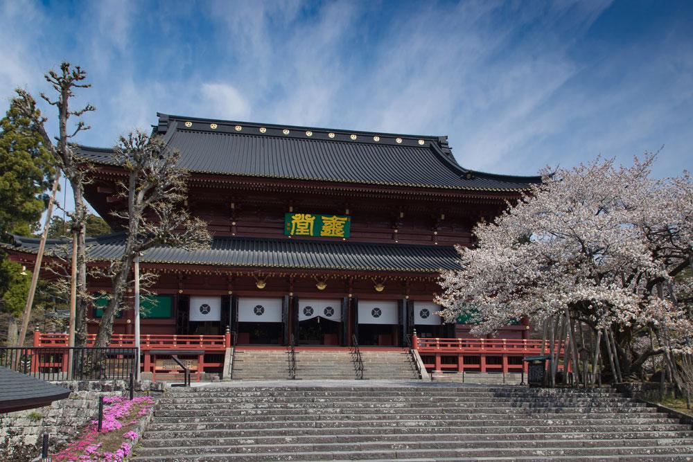 本堂(三仏堂) | 輪王寺