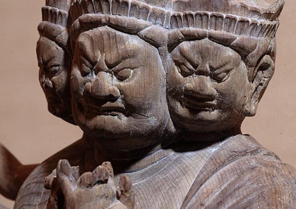 「日光の社寺」世界遺産登録20周年記念  霊山を開く